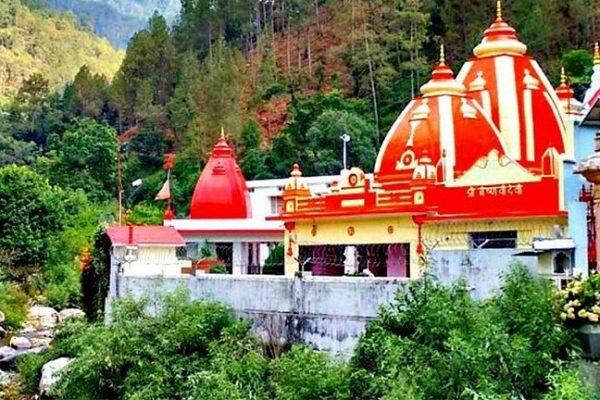 कैंची धाम – बिगड़ी तकदीर बनाने वाला हनुमान मंदिर
