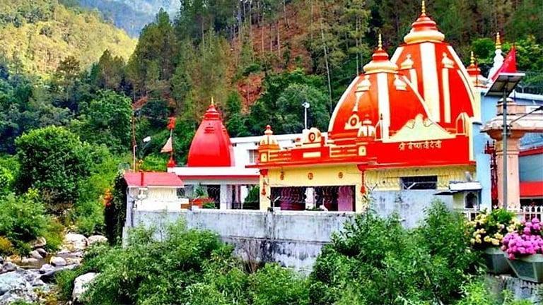Kainchi Dham | कैंची धाम बिगड़ी तकदीर बनाने वाला हनुमान मंदिर